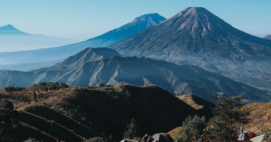 Tempat wisata di Indonesia yang terkenal